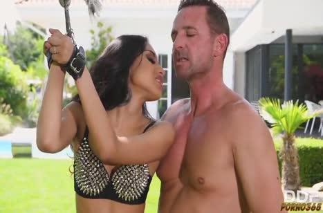 Скриншот Нимфоманки решили попробовать секс с плетками №2084 #1