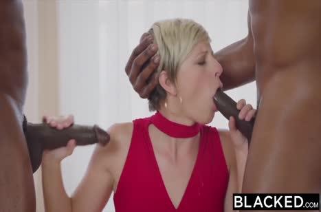Сексуальные беловолосые девки рады потрахаться №473