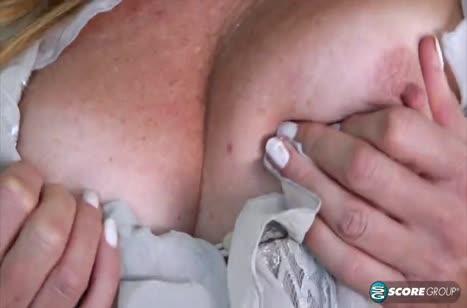 Скриншот Грудастая давалка сексуально стонет от писюна №4706 #1
