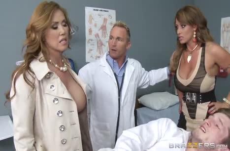 Скриншот От такой групповухи бабенки сексуально стонут №3763 #1