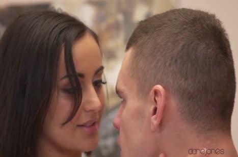 Скриншот Довел подружку до оргазма романтическим трахом №1516 #1