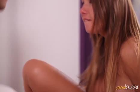 Скриншот Симпатичные девушки очень любят нежный секс №2693 #3