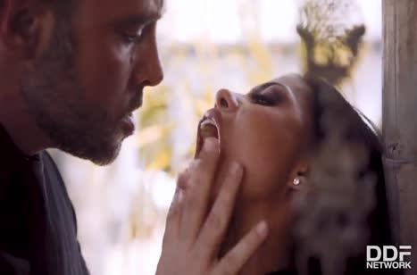 Скриншот Смачное порно видео знойных латинок бесплатно №4131 #1