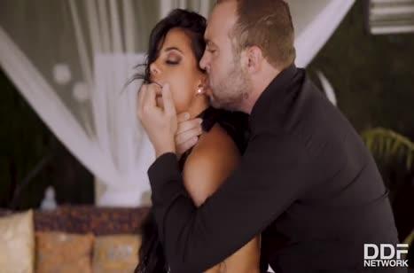 Скриншот Смачное порно видео знойных латинок бесплатно №4131 #3
