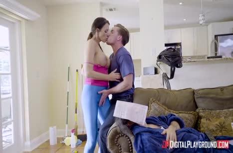 Скриншот Скачать порно видео с фигуристыми мамочками №1719 #3