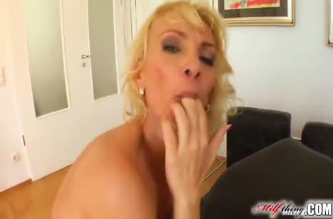 Скриншот Порно видео с аппетитными мамками бесплатно №3591 #4
