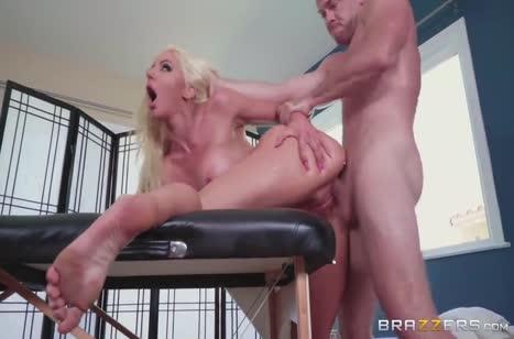 Скриншот Красивое порно в массажном кабинете бесплатно №3698 #5