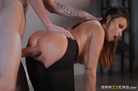 Скриншот Грудастая девушка не против траха на массаже №5237 #2
