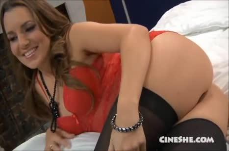 Скриншот Симпатичная девушка обожает потеребить вагинку №5419 #2