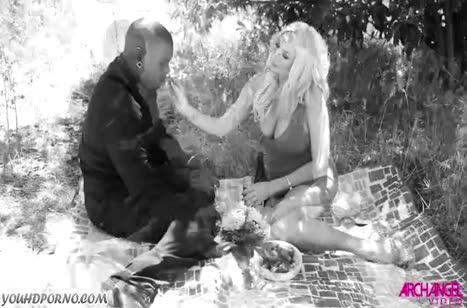 Скриншот Смачное порно видео с неграми на телефон №3090 #1