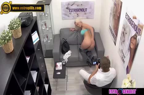 Скриншот Развратное порно видео с кастингов бесплатно №2300 #3