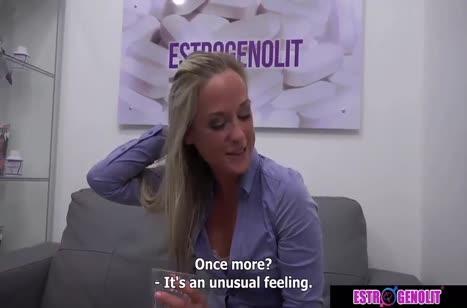 Скриншот Красивая девушка устроила трах на собеседовании №731 #3