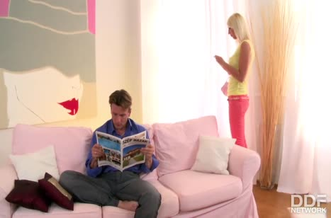 Скриншот Шикарная девушка не против отведать кончи любовника №2383 #1