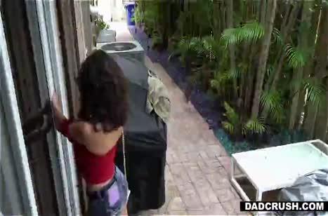 Скриншот Ненасытная шлюшка обожает смачный секс и сперму №3802 #1