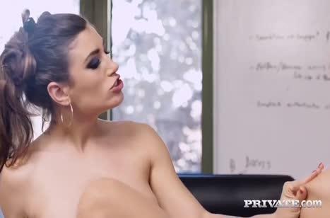 Скриншот Сексуальная телочка запросто шпилится в офисе №4539 #4