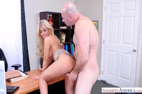 Скриншот Скачать порно зрелых красивых дамочек бесплатно №4391 #3